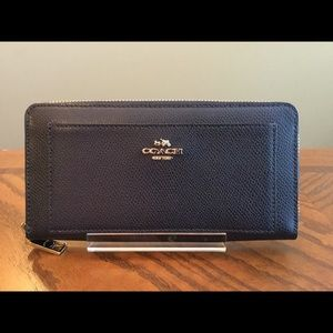 NWOT Beautiful Coach Dark Blue Leather Wallet